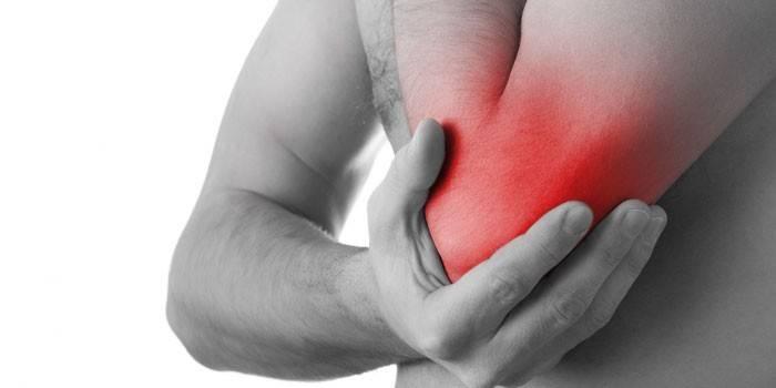 Valu ravi liigeste parast insulti valu kuunarnuki liigeses, kui paindumine ja tostmine, kuidas ravida