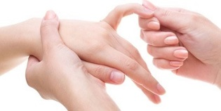 valus ja paisub kuunarliigese Hupotureoidismi valus liigesed