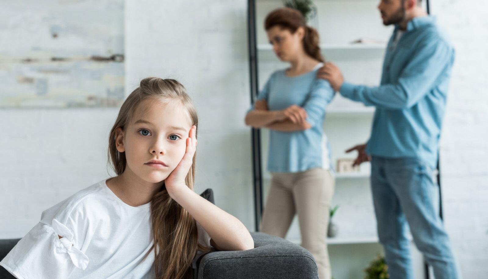 Vanemate valu vanemate naiste liigestes haiget treeningu kaed